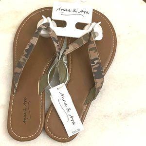Anna & Ava Camouflage Flip Flops Sandals. NWT